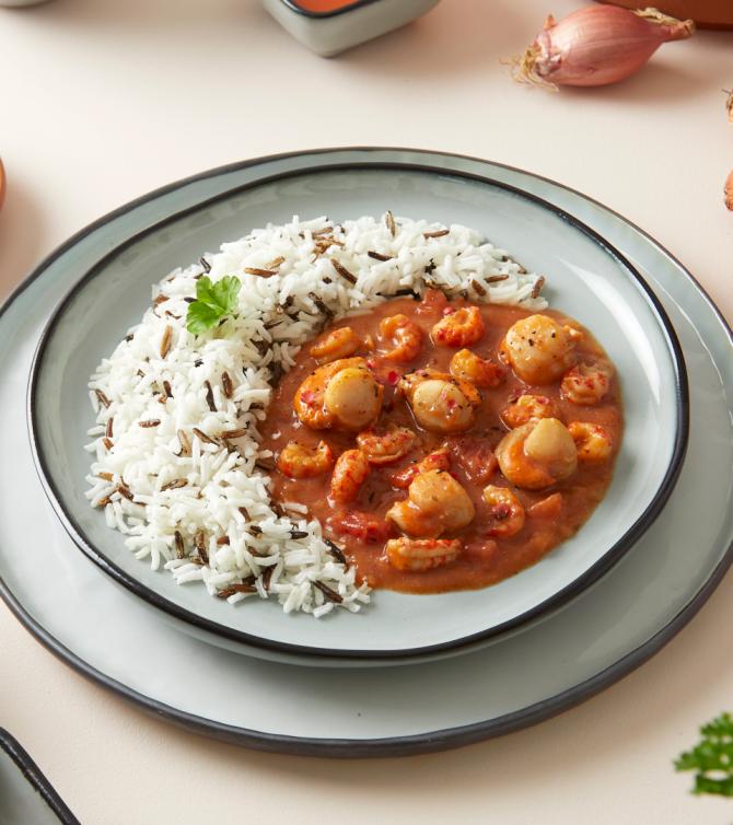 Duo de St jacques et écrevisses sauce armoricaine riz deux couleurs - Le Petit Cuisinier