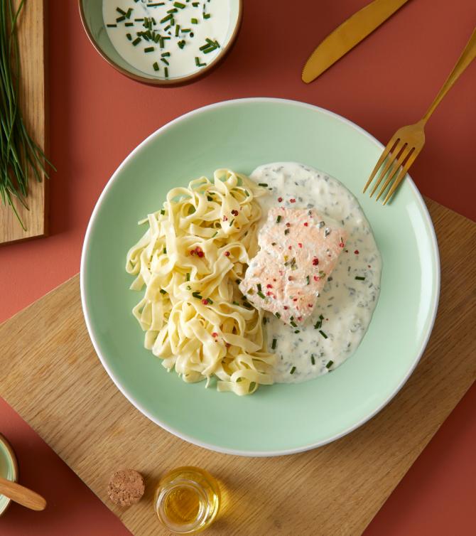Saumon crème ciboulette et pâtes - Le Petit Cuisinier