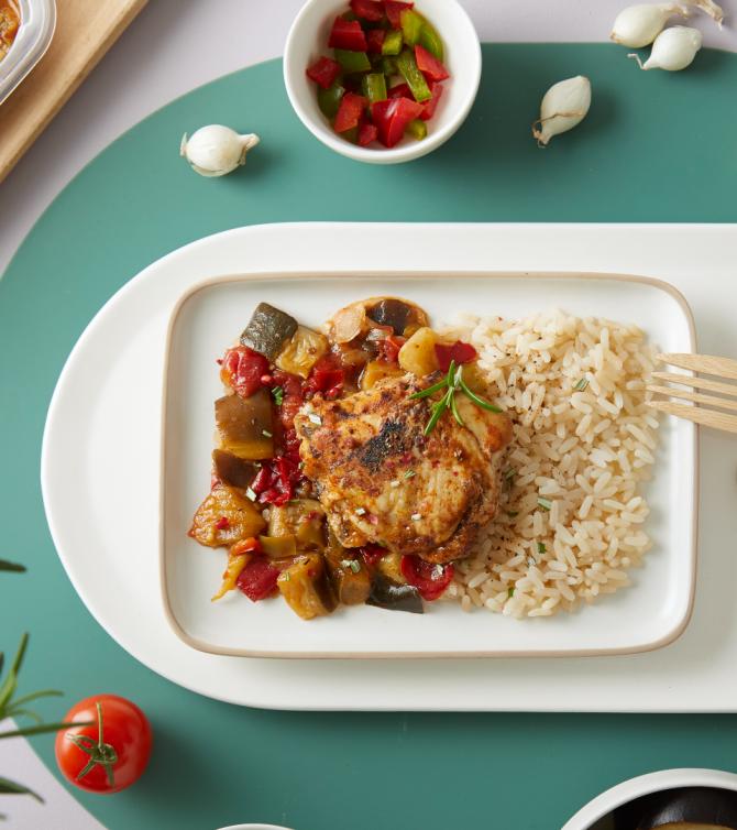 Haut de cuisse de poulet grillé, riz et ratatouille - Le Petit Cuisinier