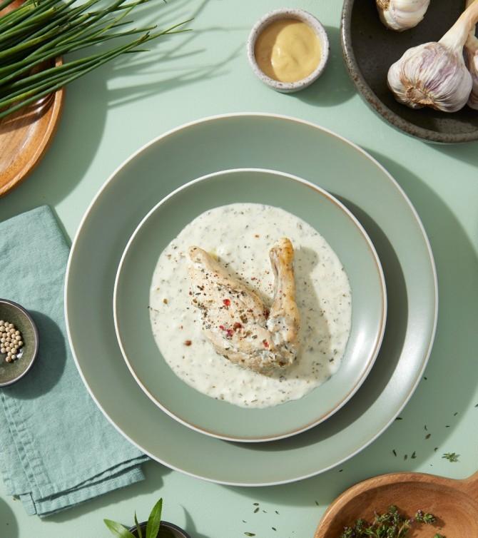 Suprême de pintade sauce aux fines herbes part individuelle - Le Petit Cuisinier
